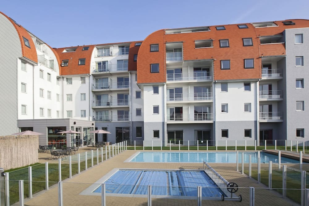 Modern Apartment With a Dishwasher Located in Zeebrugge