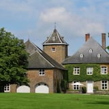 Delightful Castle in Bastogne With Jacuzzi