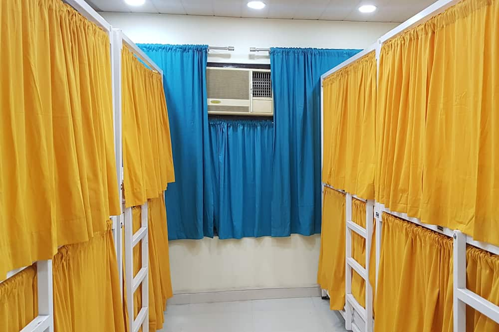 12 Bed Shared Dormitory, Private Bathroom - Житлова площа