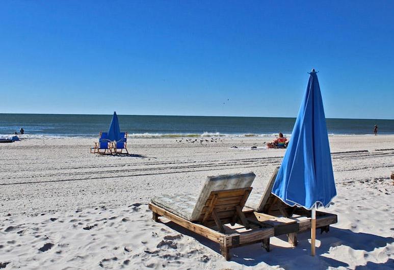 Sugar Beach 262 by Youngs Suncoast, Orange Beach, Condo, 2 Bedrooms, Beach