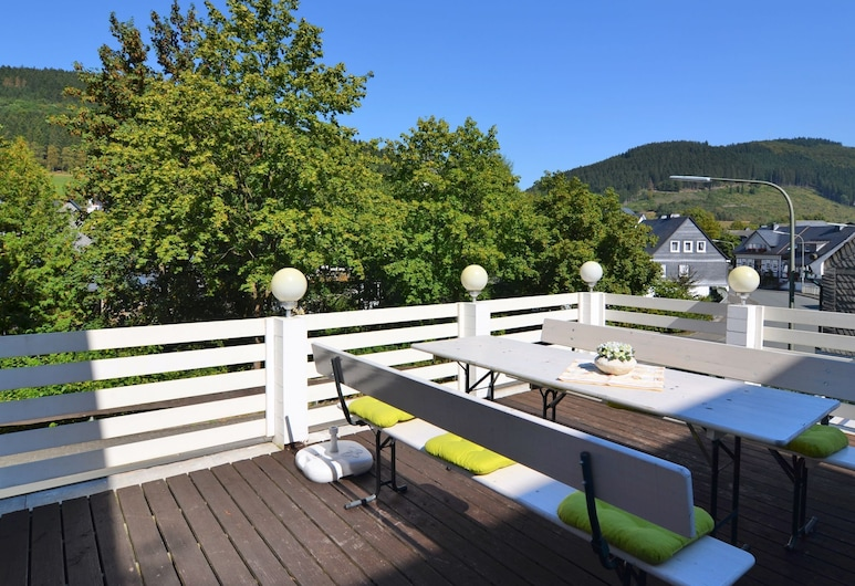Holiday Home Consisting of two Separate Living Areas on one Level, Schmallenberg, Balcony