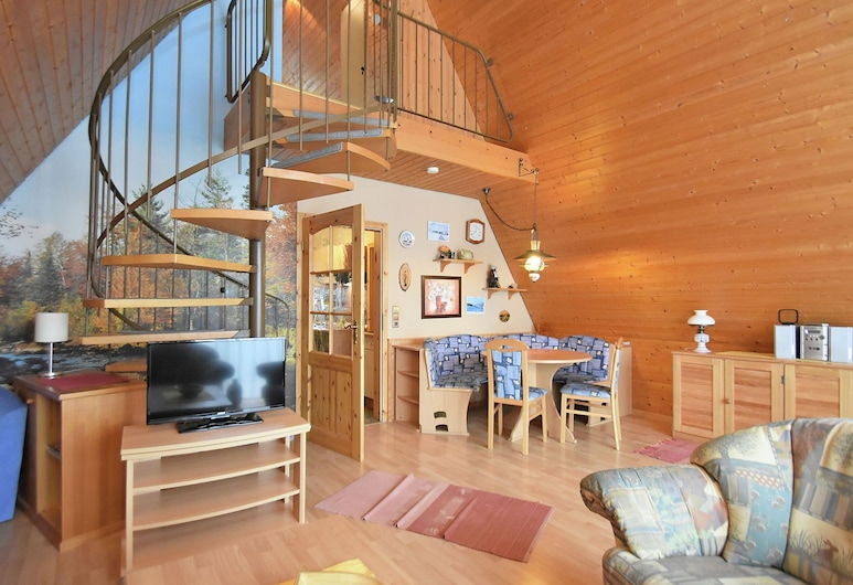 Beautiful Holiday Home in the Southern Black Forest With Balcony and Terrace, Herrischried, Living Room