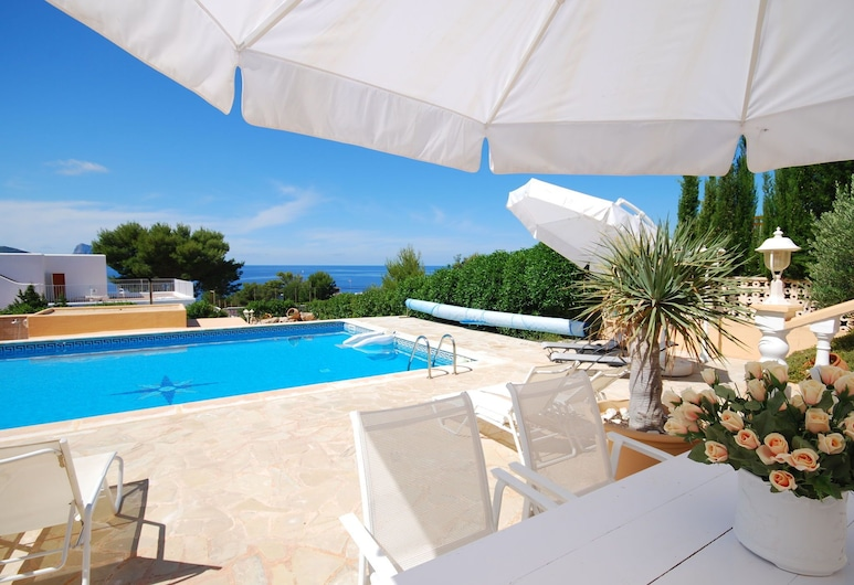Villa Within Walking Distance to the Beach With Diving and Windsurfing School, Sant Josep de sa Talaia, Villa, Pool