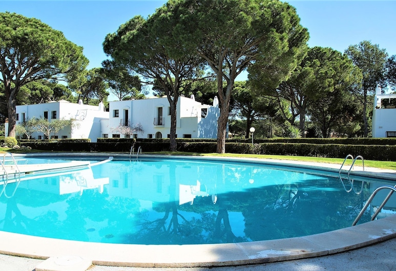 Dreamy Holiday Home in Pals With Swimming Pool, Pals