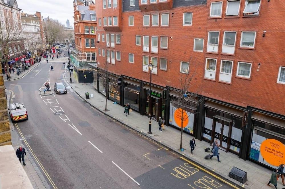 Premium Apartment - Street View