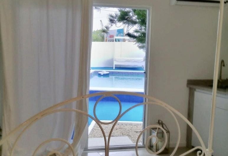 Ocean Front Property - Villa 4 Aruba w pool view, Savaneta, Αίθριο/βεράντα