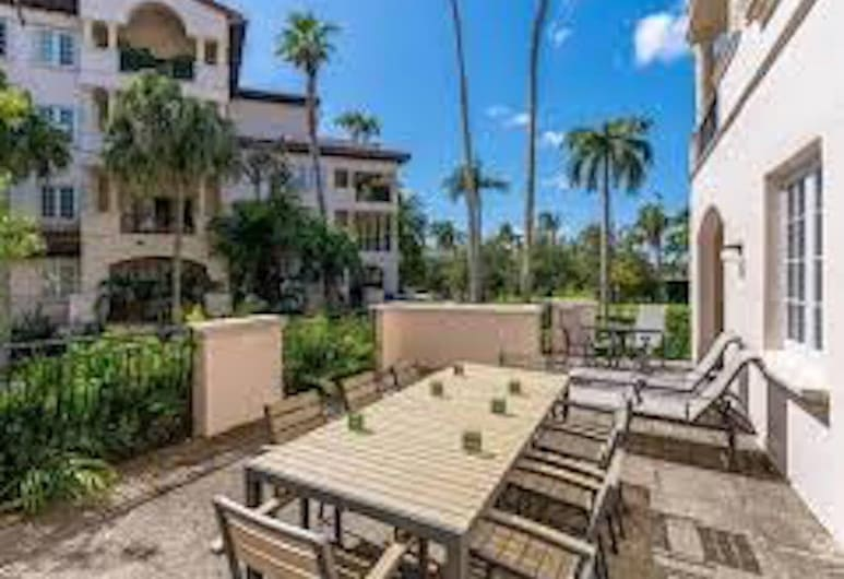 Stunning Miami Beach 2 Bedroom Fisher Island Apartment 4 Guests, Miami Beach