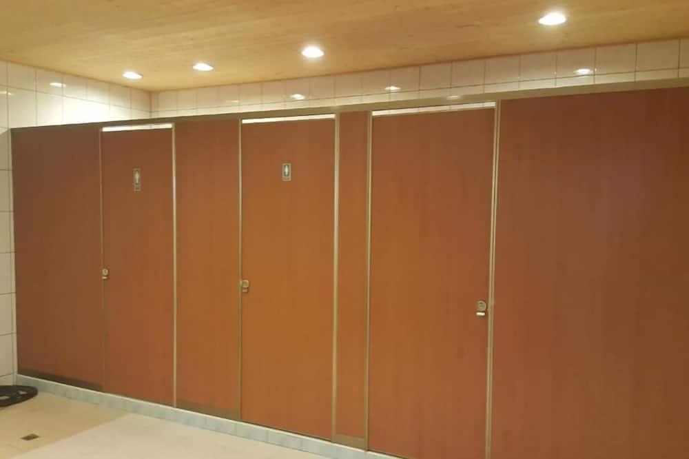 Eenvoudig huis, 5 slaapkamers - Gemeenschappelijke badkamer