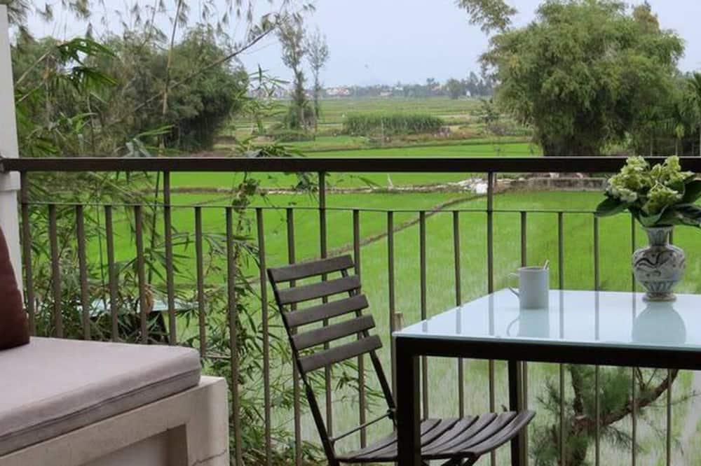 Deluxe Studio Double, Rice Fields & Pool View - Balcony