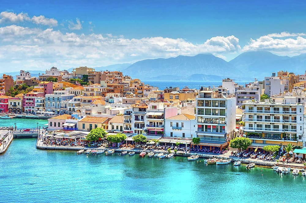 Stylish Seaside Apartment in Agios Nikolaos