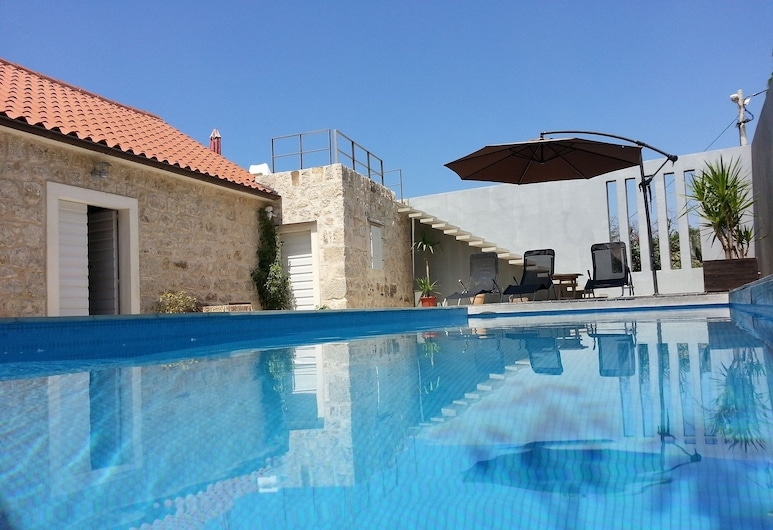 Stylish, Quiet and Beautiful Views Villa With a Pool, Podgora, Extérieur