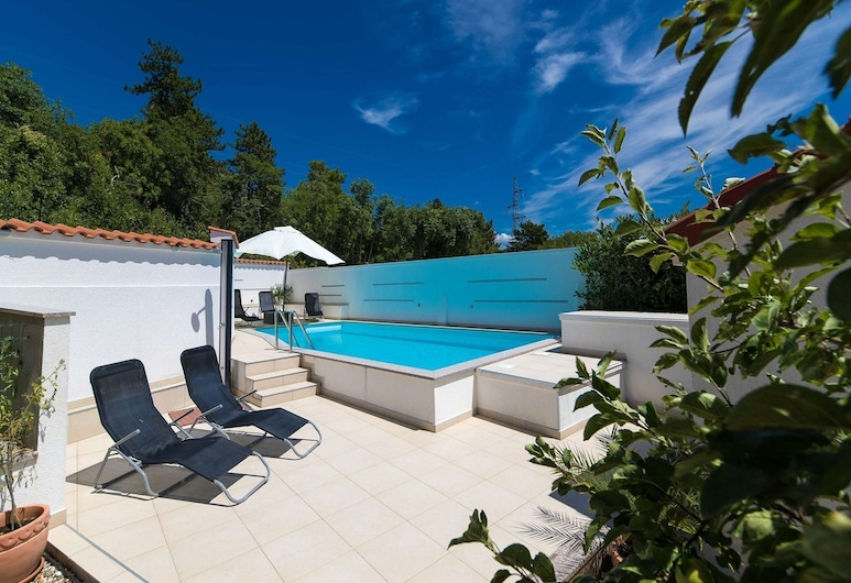 Beautiful Home With Private Pool ,roofed Terrace and Summer Kitchen !, Crikvenica, Havuz