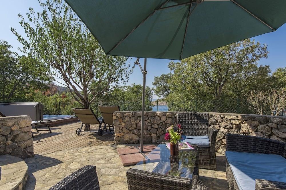 Βίλα - Μπαλκόνι