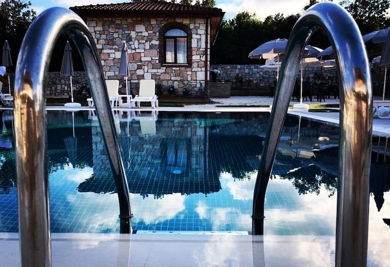 Hotel Rezve, ديميركوي, حمام سباحة
