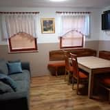 ハウス 2 ベッドルーム パティオ - リビング エリア