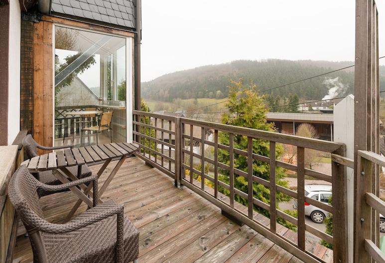 Large and Interesting Home in the Sauerland With Several Terraces and a Garden, Medebach, Ház, Erkély