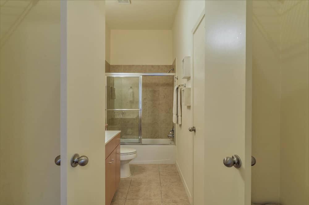 Condo, 3 Bedrooms - Bathroom