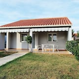 Carefully Furnished Bungalow With 2 Bathrooms, 7km From Pula