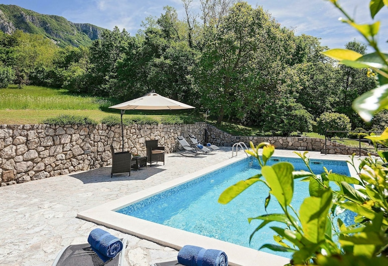 Scenic Holiday Home in Kožljak With Swimming Pool, Krsan, Pool