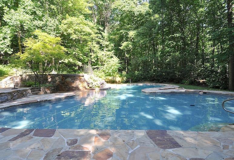 Greenwood, เบิร์คลีย์สปริงส์, บ้านพัก, หลายเตียง (Greenwood), สระว่ายน้ำ