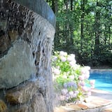 บ้านพัก, เตียงควีนไซส์ 2 เตียง (Dream Time) - สระว่ายน้ำ