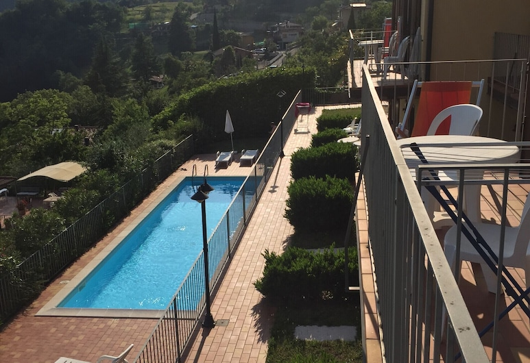 Residence Mirena Aria 15 - Rebomaholidays, Tignale, Pool