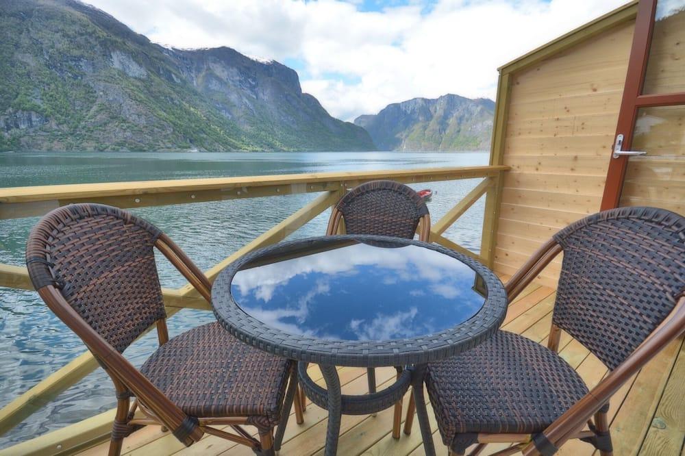 Waterfront cabin - Balcony