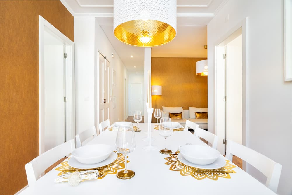 Apartment, 4 Bedrooms, Non Smoking - In-Room Dining