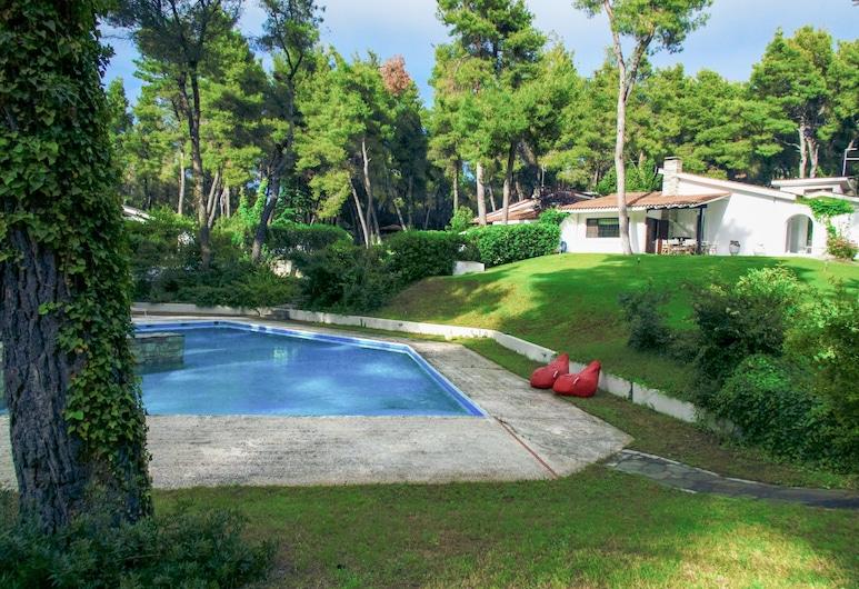 #halu! - Private Chic Villa w Pool, Kassándra, Alberca al aire libre