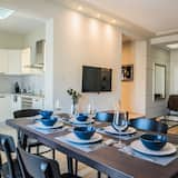 Family Apartment, 2 Bedrooms, City View - In-Room Dining
