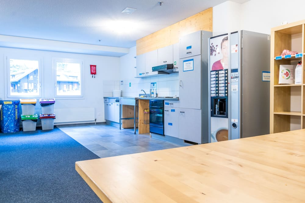 Standard Double Room, 2 Twin Beds, Mountain View - Shared kitchen