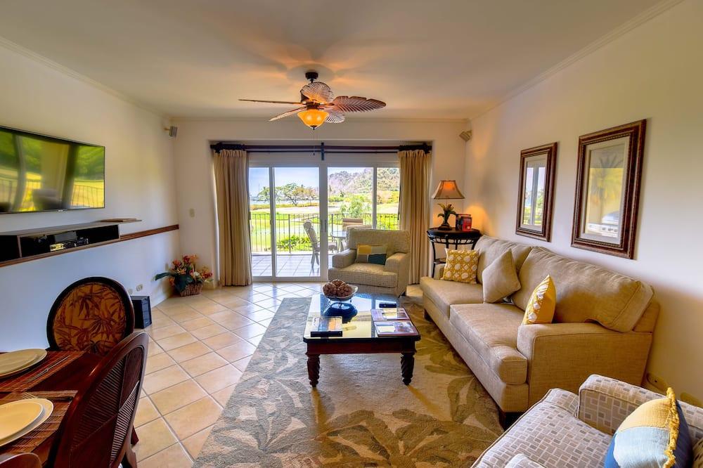 Condominio Deluxe, 2 baños, con vista parcial al mar - Sala de estar