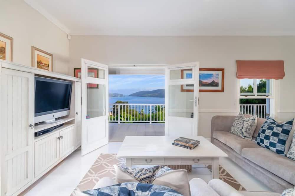 Standard Suite, 3 Bedrooms - Living Area