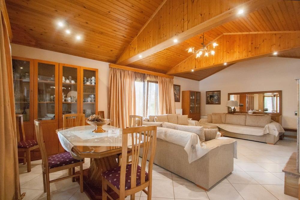 Luksusa villa, trīs guļamistabas, privāts baseins - Dzīvojamā istaba