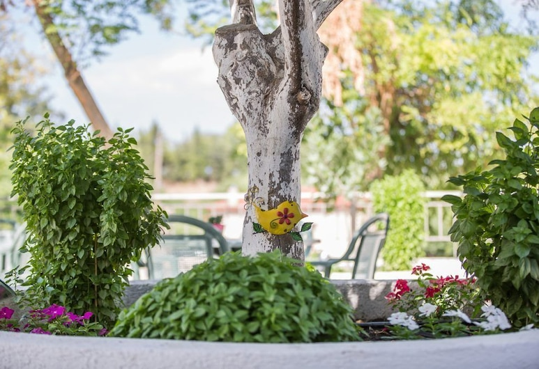 Pegasus Rooms, Corinth, Double or Twin Room, Garden View (Β1), Guest Room View