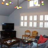 Rent This Luxury Cottage in Prime Location, San Francisco Cottage 1012