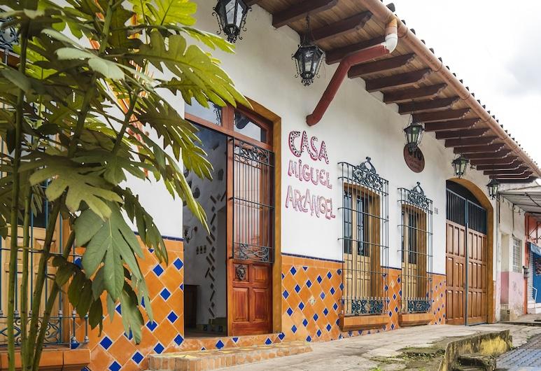 Casa Miguel Arcangel, Coatepec