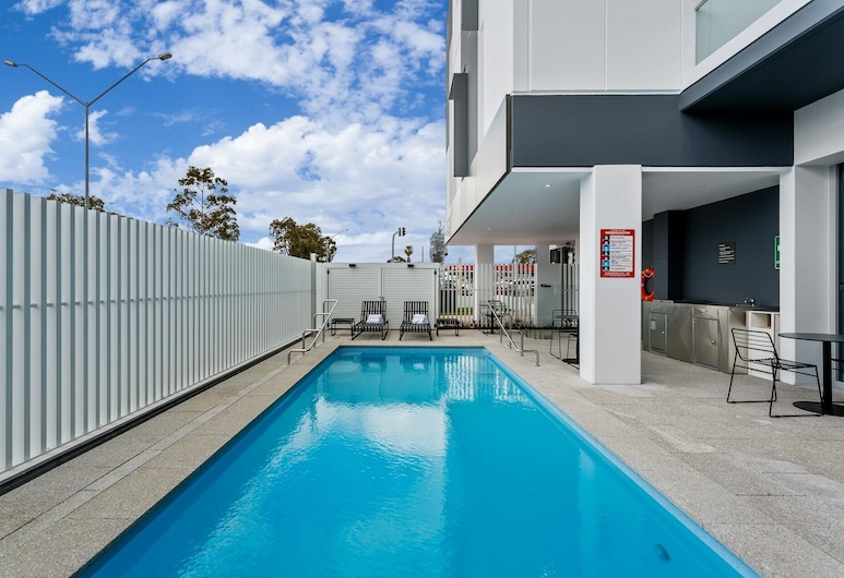 Quest Perth Ascot, Ascot, Outdoor Pool