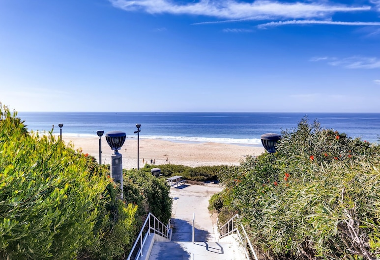 Escape At The Beach - Near Ritz Carlton - Private Entrance - 2BR - Fast WIFI - Free Parking! (MB2) , Dana Point