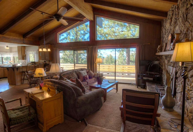 Crest View Chalet by Lake Tahoe Accommodations, Stateline, House, 3 Bedrooms, Bilik Rehat