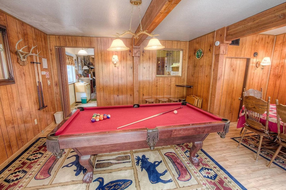 Bambis Bunkhouse by Lake Tahoe Accommodations