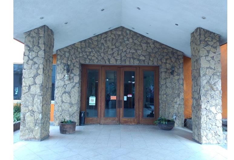 OYO Hotel Dubai, Monterrey, Entrada del hotel