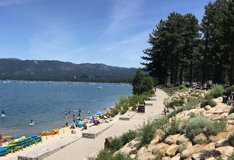 Papas Cabin by Lake Tahoe Accommodations, Tasik Tahoe Utara, House, 3 Bedrooms, Pantai