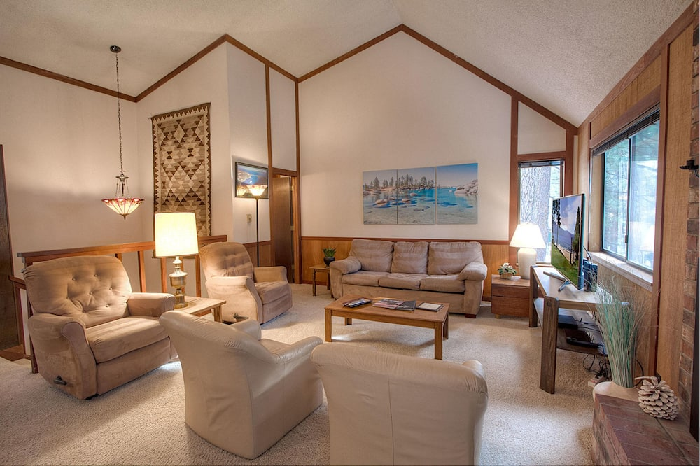 Квартира, 3 спальни - Гостиная