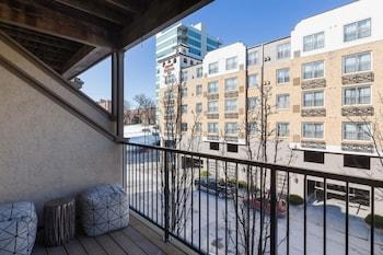 Foto del Cambria - Comfortable Plaza Apts with Free Parking by Zencity en Kansas City