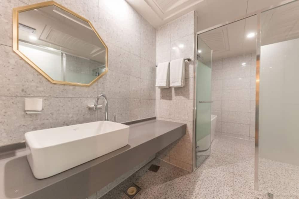 Diamond - Bilik mandi