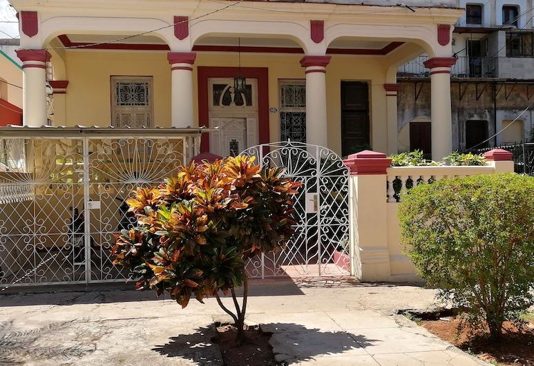 Villa Carmita Casa Colonial, 哈瓦那, 花園