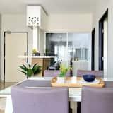 Апартаменти, 3 спальні (B-13-02) - Обіди в номері