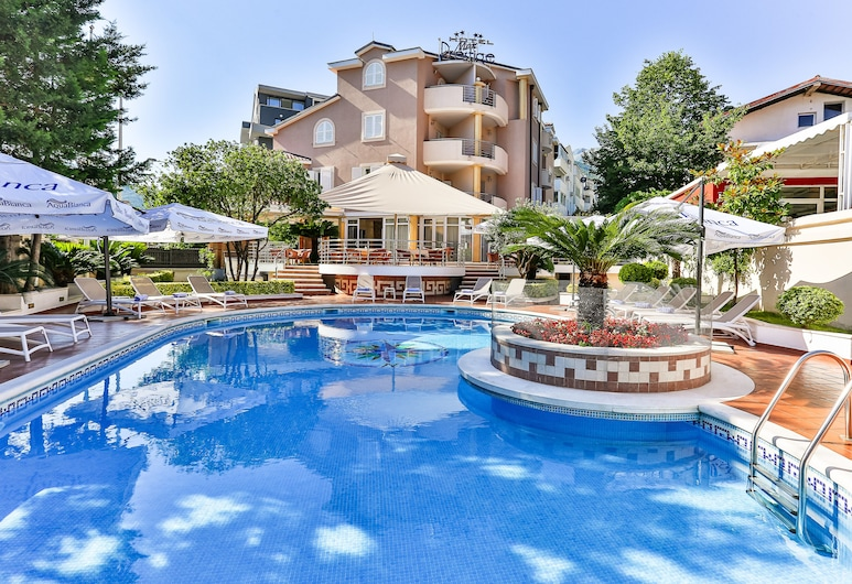 Hotel Max Prestige, Budva, Outdoor Pool