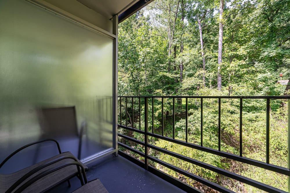 2 Double Beds - Balcony